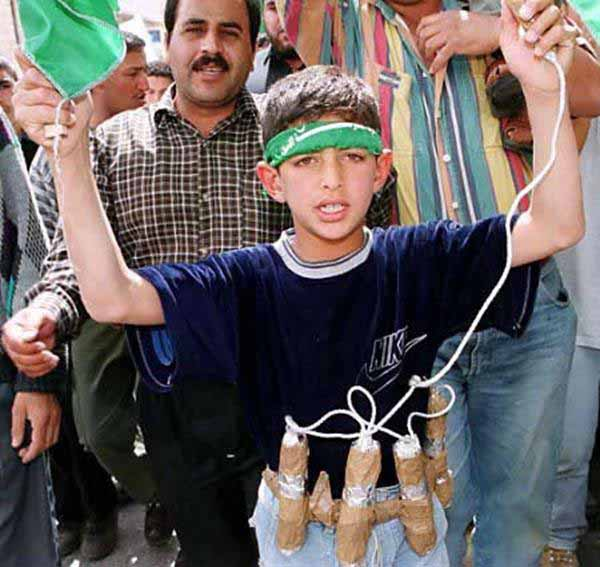 Früh übt sich, wer ein wahrer Djihadi will werden. Kinder-Instrumentalisierung im Islam #Date:12.2015#