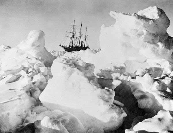 Das Schiff Deutschland in aussichtsloser Lage #Date:12.2015#