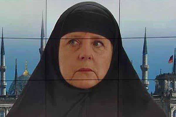 Fatima Merkel vollverschleiert. #Date:12.2015#