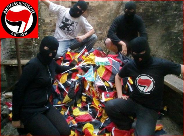 Linksfaschisten der Antifaschistischen Aktion ANTIFA mit gestohlenen und geraubten Deutschlandflaggen unter dem Motto: Deutschland knicken. Die Organisation wird aus einem Fördertopf der Bundesregierung mit  einem Volumen von 100 Millionnen Euro versorgt. #Date:06.2016#