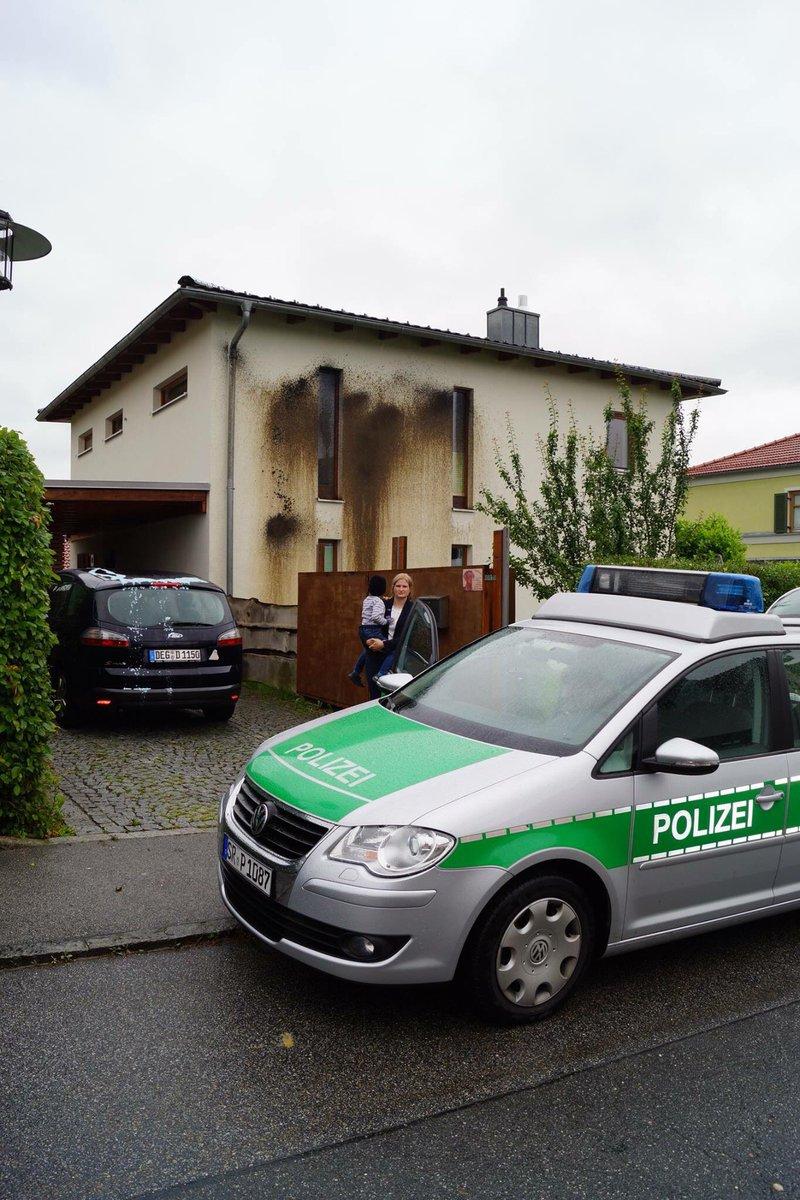 Anschlag auf AfD-Politikerin in Bayern. Die Politikerin war mit ihren vier Kindern im Haus. Wird hier auch wegen Kapitalverbrechen ermittelt? #Date:06.2016#