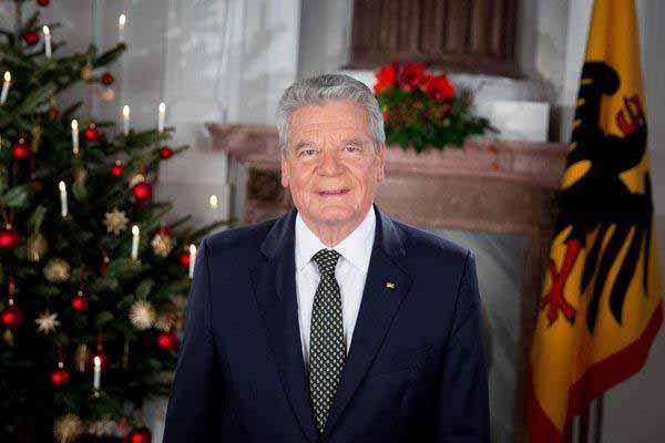 Bundesgaukler Gauck verkündet eine Absonderung. Überflüssig #Date:12.2015#
