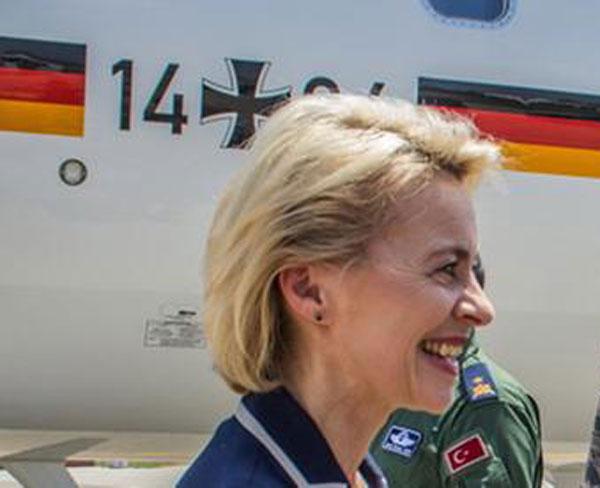 Bild zum Thema Bundesverteidigungsministerin von der Leyen CDU schafft es nicht, dass Abgeordnete die Bundeswehr Incirlik besuchen dürfen. Türkische Regierung  ist dagegen.