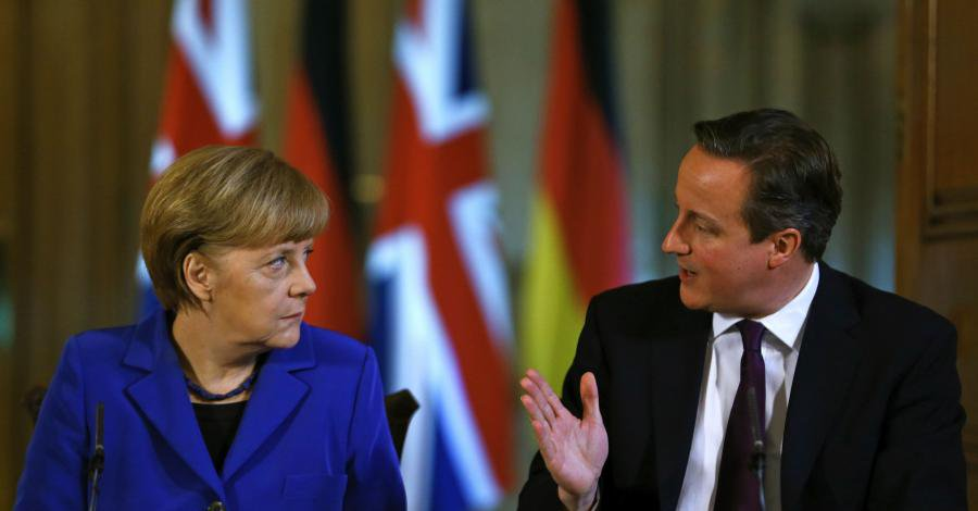 Bild zum Thema Merkel CDU sprengt mit ihrer EU-Politik und der von ihr verursachten europaweiten Massenmigration die EU. Sie zerstört in zwei Jahren, was Generationen aufgebaut haben.