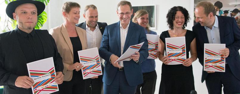 Alle im Berliner Abgeordnetenhaus vertretenen Parteien warnen vor den Landtagswahlen in Berlin vor der AfD Alternative für Deutschland. Eine TOP-Empfehlung für die Wahl der AfD von den TOP-Losern. #Date:06.2016#