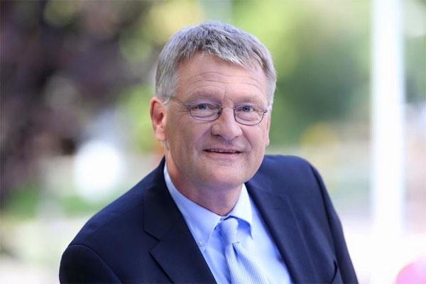 """Die bösartigen Unterstellungen des stellvertretenden Grünen-Fraktionschefs Hans-Ulrich Sckerl, wonach radikale Kräfte in der AfD das Ruder übernommen hätten, sind wohl einzig und allein auf Herrn Sckerls mangelhafte Wahrnehmung oder seine übertriebene Phantasie zurückzuführen"""""""", erklärt AfD-Fraktionschef Prof. Dr. Jörg Meuthen.  Sckerl behauptet über die AfD-Fraktion: ,,Sie zeigen auch im Parlament immer deutlicher, dass sie das bürgerliche Aushängeschild eines Professor Meuthen nicht mehr brauchen."""" Meuthen dazu: ,,Da ist wohl der Wunsch Vater von Sckerls Gedanken. Dass er uns in eine radikale Ecke drängen und schwächen möchte, kann ich nachvollziehen, nachdem wir ihm und seiner Fraktion, die etwa die Bildungskatastrophe Baden-Württembergs wesentlich mit zu verantworten hat, in der letzten Plenarwoche politischen und parlamentarischen Nachhilfeunterricht gegeben haben. Da kann man als desillusionierter Altgrüner schon mal ein wenig die Nerven verlieren.""""""""  Das ist Sckerl übrigens nicht zum ersten Mal passiert, wie Meuthen erläutert: ,,Dass Herr Sckerl sich nicht immer im Griff hat, ist nichts Neues. Vor wenigen Wochen sorgte er mit seinem Zwischenruf: ,So ein Geschwätz kennen wir von den Anfängen der NSDAP"""", während einer Rede unseres Abgeordneten Anton Baron für Kopfschütteln in unserer Fraktion - ein Skandal, der übrigens durchaus mediale Beachtung verdient hätte. Wer die AfD mit den Nationalsozialisten und deren Verbrechen gleichsetzt, sollte sich in erster Linie Sorgen um seine eigene Radikalität machen. Wer derart viel Schaum vor dem Mund hat, wenn es um die AfD geht, sollte sich besser nicht in verbaler Schnappatmung üben.""""""""  Meuthen weiter: """"Eine 'Verrohung der Sitten', deren Entwicklung die Demokratie entschieden entgegentreten müsse, wie Sckerl ausführt, erkennen wir bei Abgeordneten wie Sckerl und den Parteien, die sich als grundanständige Demokraten verkaufen wollen, aber im parlamentarischen Alltag ganz bewusst unsere Abgeordneten ausgrenzen und damit g"""