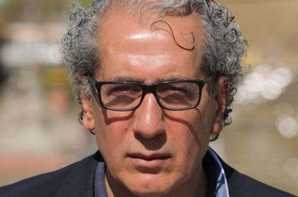 Bild zum Thema Imad Karim: ich bin im Begriff mein Deutschland zu verlieren   Imad Karim ist gebürtiger Libanese und lebt seit 1977 in Deutschland. Er kam damals als Student. Er arbeitet als Journalist und Filmemacher.  Seine Sorge gilt dem Fortbestehen Deutschlands, wie er es in den Jahren nach seiner Ankunft hier kennen lernte.  Karim steht der Masseneinwanderung sehr krtisch gegenüber.  Hier ein Auszug aus dem Interview:  +++ Natürlich sind unter den Einwanderern sympathische und aufrichtige Menschen, die kreative Kraft mitbringen und neugierig auf Deutschland sind, aber das ist die absolute Minderheit. Lassen Sie mich Ihnen etwas erzählen: Ich habe mich in drei großen Facebook-Gruppen für syrische Flüchtlinge in Deutschland angemeldet. Die ersten beiden haben etwa 227.000 Mitglieder, die dritte über 100.000.  Dort traf ich unter denen, die posteten und kommentierten, nahezu ausschließlich auf Menschen, die im politischen Islam das Allheilmittel für die Lösung ihrer Probleme sehen. Diese Gruppen werden also von Leuten dominiert, die das westliche Lebensmodell regelrecht verachten. Es gab nur selten Kommentare von Syrern, bei denen man sich vorstellen kann, daß sie Teil unserer offenen Gesellschaft werden könnten. +++  Das ganze Interview: https://jungefreiheit.de/debatte/interview/2017/deutschland-ist-die-heimat-meiner-werte/