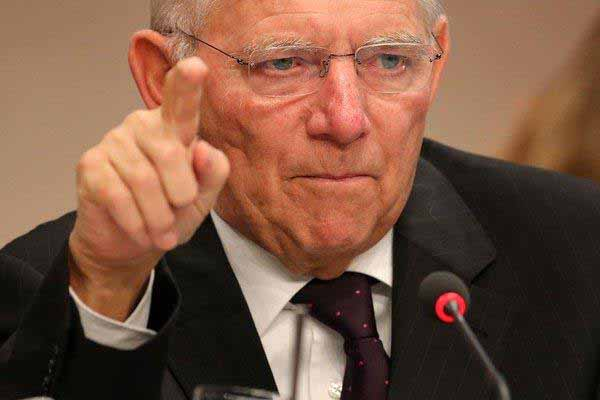 Bundes-Geldrausschmeiß-Minister Schäuble. Rolli-Fahrer mit Ambitionen auf Klippensturz #Date:12.2015#