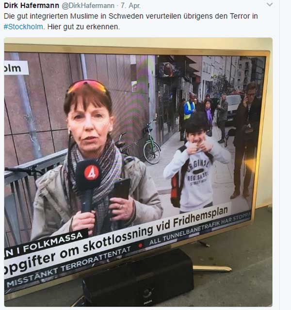 Moslems bedauern Anschlag von Stockholm  Klar, ist jedesmal das Gleiche. Hat eh nix mit dem Islam zu tun, wenn sich ein islamischer Asylant aus Usbekistan in Stockholm als Djihad-Racer betätigt. Deshalb ist eine Distanzierung der Moslems von derlei Taten eigentlich auch gar nicht nötig.  Allerdings hat sich doch tatsächlich auf dem Bildchen ein Fehlerchen eingeschlichen. Ein Ausreißer sozusagen. :v  #stockholm #stockholm_attack #islam  #moslems  #hat_nix_mit_dem_islam_zu_tun  #asylchaos  #last_night_in_sweden  #terroranschlag #krimigranten  #buntes_schweden  #Date:#