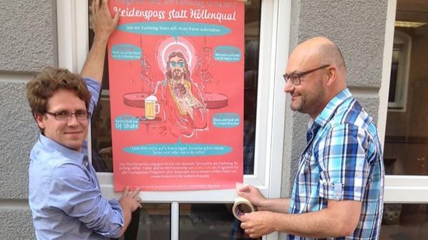 Heidenspass in Regensburg an Karfreitag  Der Bund für Geistesfreiheit demonstriert seine geistfreie kulturverachtende Haltung durch Tanzveranstaltungen in vier