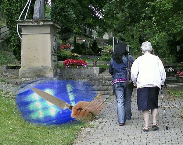 Bild zum Thema NRW: Friedhofsbesuch nur mit Bodyguard  In NRW häufen sich die Raubüberfälle auf Senioren beim Friedhofsbesuch.  Brav. Nur weiter so. :v  http://www.focus.de/regional/videos/nordrhein-westfalen-in-nrw-kommt-es-immer-oefter-zu-raubueberfaellen-auf-friedhoefen_id_7128013.html  #nrw #raubüberfall  #kriminaltität  #friedhofsbesuch