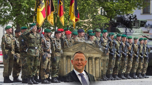 """>> AfD im Bundestag: Auskunft über die Zahl der Bundeswehr-Soldaten mit Doppelpass  Der stellvertretende Vorsitzende der AfD-Fraktion im Deutschen Bundestag, Peter Felser aus Bayern, hatte vom Bundesministerium der Verteidigung Auskunft über die Zahl der Soldaten mit zwei Staatsangehörigkeiten verlangt.   """"Mit der Antwort des Verteidigungsministeriums (Bundestagsdrucksache 19/659), eine Erfassung von Doppelpass-Soldaten sei zwar möglich, werde aber nicht durchgeführt und auch nicht für notwendig erachtet, darf man sich nicht zufriedengeben"""", so der AfD-Politiker.  Peter Felser: """"Dem Bundesministerium der Verteidigung mag es egal sein, wenn Bundeswehrangehörige sich über eine Zweit-Staatsangehörigkeit anderen Staaten als der Bundesrepublik Deutschland in Loyalität verbunden sehen: Als verantwortungsbewussten Staatsbürgern darf uns das nicht gleichgültig sein. Die Eidesformel, """"das Recht und die Freiheit des deutschen Volkes tapfer zu verteidigen"""", verlangt die ungeteilte und eindeutige Hingabe des Soldaten.""""   Felser weiter: """"Im Übrigen hat nicht zuletzt der Fall Yücel nachdrücklich bewusst gemacht, welche Konflikte entstehen können, wenn andere Staaten den Standpunkt vertreten, deutsche Staatsbürger mit Doppelpass seien zuerst den Gesetzen ihres Zweitpass-Landes unterworfen. Für Truppenangehörige, die den Dienst an der Waffe, wie beispielsweise einem Gewehr oder einem Panzer, leisten, gilt dies noch mehr als für Journalisten.""""   """"Wir von der AfD-Bundestagsfraktion werden in dieser Frage nicht lockerlassen und weitere Initiativen ergreifen, damit die offenkundig vorhandenen Möglichkeiten zur Erfassung doppelter Staatsangehörigkeiten von Bundeswehr-Soldaten, auch zum Schutz der eigenen Bevölkerung, genutzt werden."""", so Peter Felser abschließend.   #AfDimBundestag  #felser  #bundeswehr  #soldaten  #doppelpass #Date:03.2018#"""