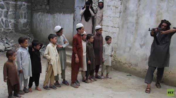 Islamistischer Schulunterricht. Billiger als unsere Milliarden für Integration, die keiner braucht. #Date:12.2015#