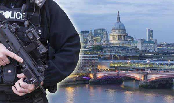 Das Asylchaos beschert uns schwerbewaffnete Polizisten auf allen Straßen wie im Krieg #Date:12.2015#