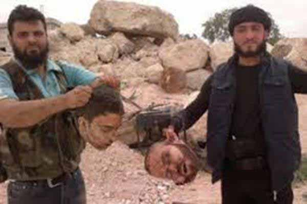 Islamisten mit abgeschnittenen Menschenköpfen. #Date:01.2016#