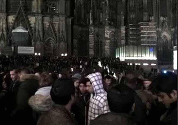Legendäre Silvesternacht 2015 in Köln mit der Vorschau auf kommende Verhältnisse in Deutschland. #Date:03.2016#