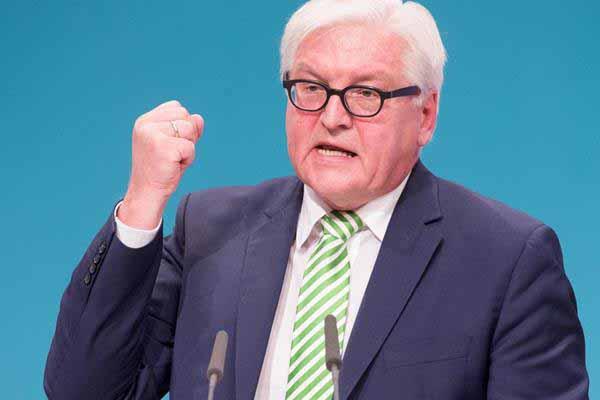 Steinmeier Außenminister bezeichnet Andersdenkende als geistige Brandstifter. #Date:12.2015#