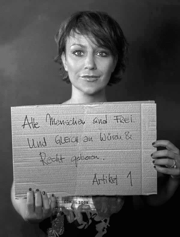 Artikel 1 Grundgesetz. Alle Menschen sind frei. Und gleich an Würde und Recht geboren. Das fordern wir für Deutsche in Deutschland. #Date:01.2016#