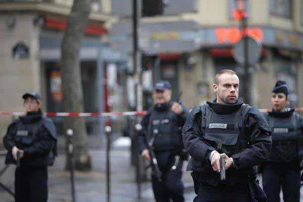 Polizei, Polizei nur noch Polizei wegen dem Gesockse #Date:01.2016#
