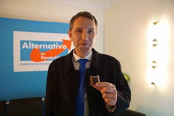 Skandal – Bernd Höcke mit Negerkuß.  #Date:02.2016#