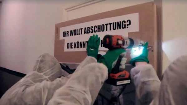 Antifa verschraubt Zugang zur Landesgeschäftsstelle der AfD in Berlin #Date:03.2016#