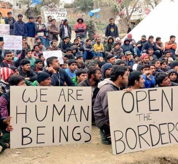 Die Wirtschaftsflüchtlinge von Idomeni werden ungeduldig und fordern ihr Menschenrecht auf Invasion. #Date:03.2016#