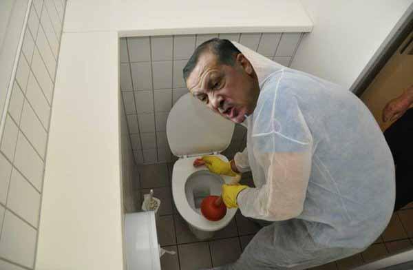 Islamistischer Türkei-Diktator und Merkel-Erpresser Erdogan könnte in Deutschland höchstens Klos reinigen. #Date:04.2016#